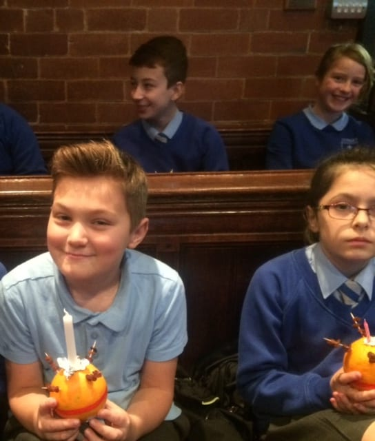 Junior Christingle112