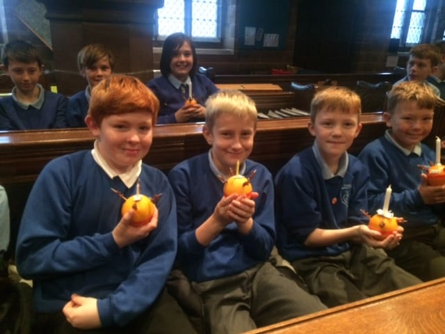 Junior Christingle113
